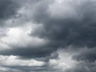 #extreemweer: waanzinnige beelden tonen hagelbollen zo groot als tennisballen tijdens zwaar onweer in noorden van Italië