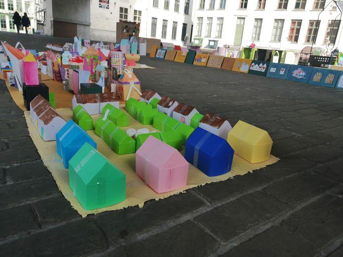 2.000 kartonnen huisjes voor daklozen onder de Gentse Stadshal