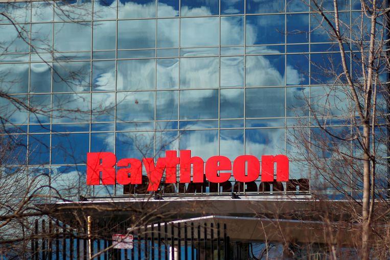 Het logo van Raytheon dat met United Technologies gaat fuseren.