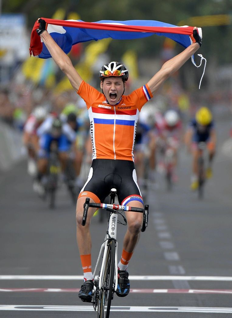 Met de Nederlandse vlag over de meet Beeld BELGA