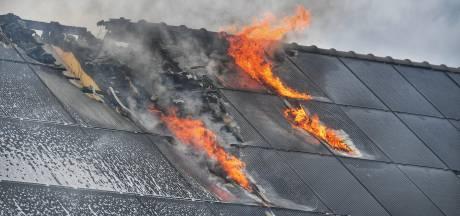 Brand door montagefout: Dura Vermeer sluit zonnepanelen van 35 woningen in Waalre af