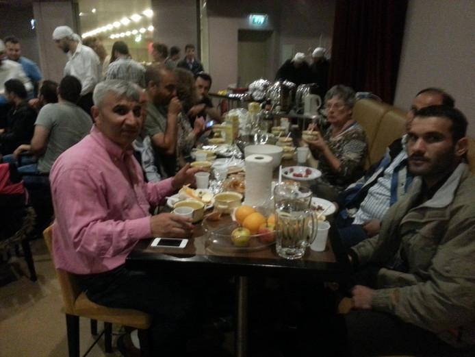 Iftar in de Osse Lievekamp.