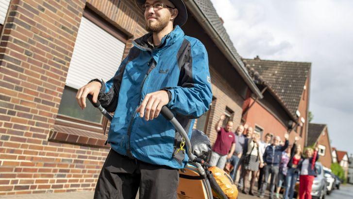 Weerseloër Daan (24) loopt in z'n eentje 2.000 kilometer naar Compostella