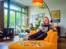 Ondanks het facetimen, mailen en bellen mist Noa (17) haar vriendenclub: 'Weg met de hokjes'