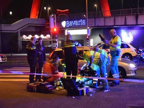 Gevaarlijke stunt in auto kost 18-jarige jongen het leven