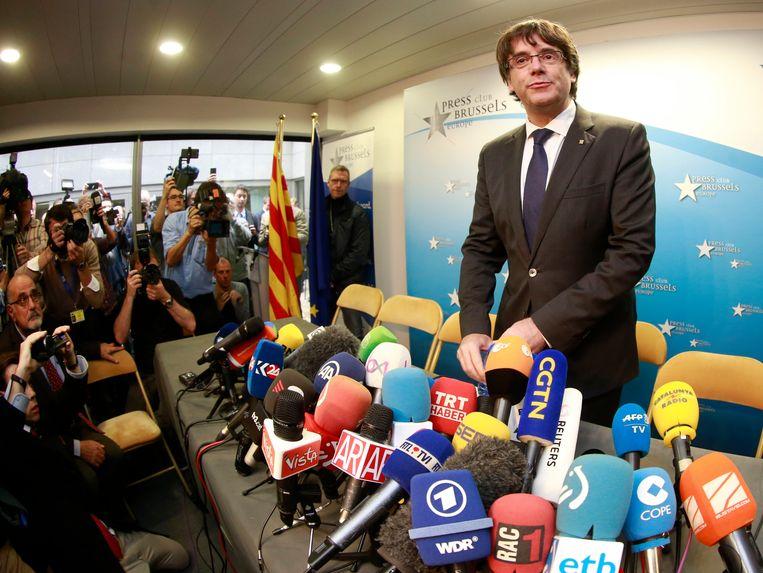 Carles Puigdemont belegt dinsdagmiddag een persconferentie in Brussel. Beeld EPA