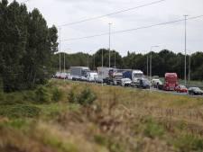 Auto's botsen op elkaar op A73 richting Nijmegen, file neemt af