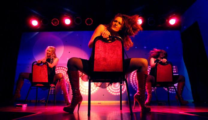 Show op het podium van Club Rouge in Eindhoven (archieffoto).