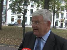 Voorzitter Veiligheidsregio Jan van Zanen:<br>'Ik vind het zo dom van mensen, met teveel bij elkaar komen'