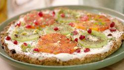 Start de werkweek goed met een lekkere ontbijtpizza met fruit