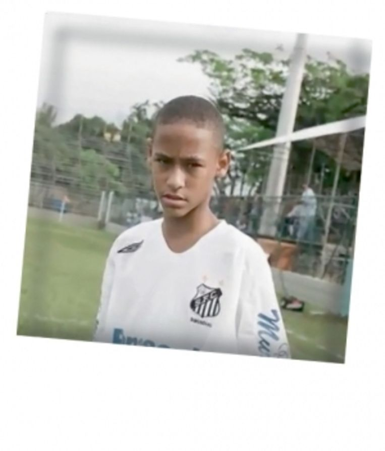 'Ook Neymar Jr. ging slapen met z'n eerste voetbal' Beeld