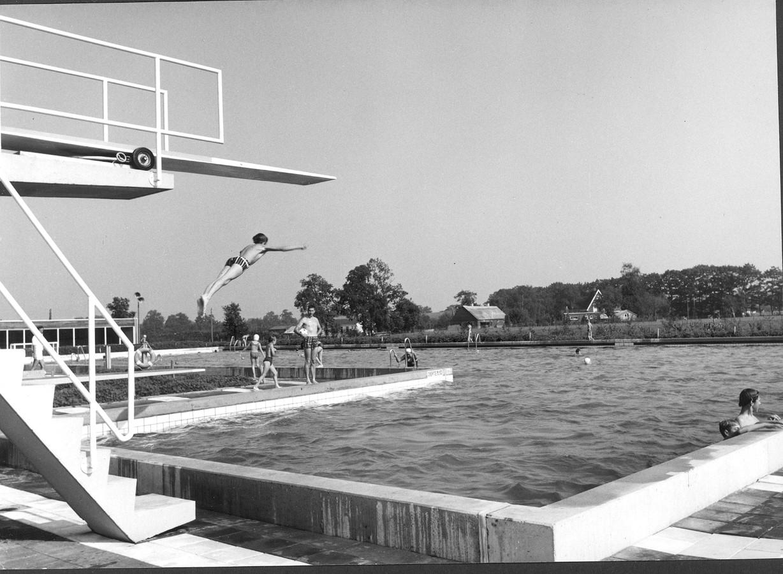 Zwembad vrije slag net na de opening in 1969.