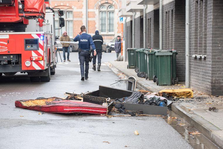 De brand is ontstaan aan het bed, maar de oorzaak vinden is een werk voor de branddeskundige.