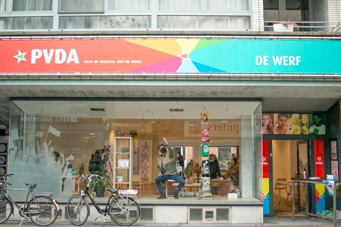 Het nieuwe hoofdkwartier van PVDA in Sint-Niklaas: actiecentrum De Werf in de Ankerstraat.