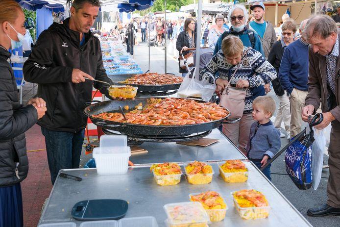 Lekker smullen maandag op de jaarmarkt in Hoeilaart.