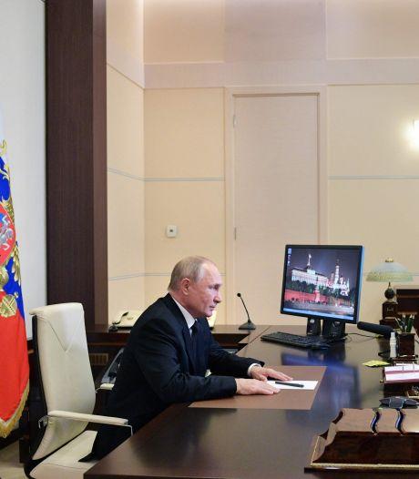 Alleen de communisten kunnen nog voor vuurwerk zorgen tegen het Kremlin