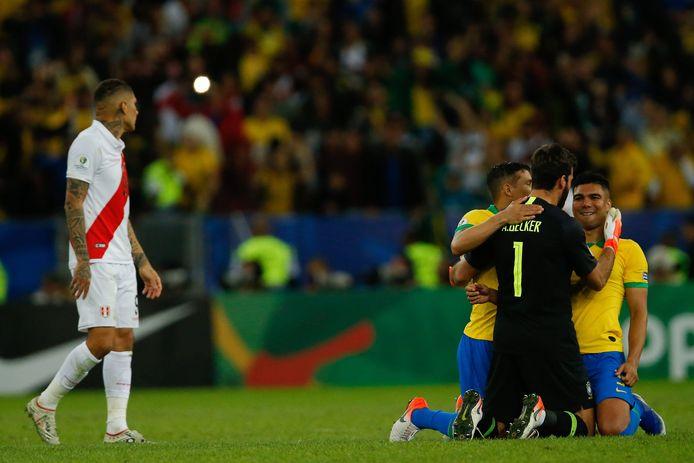 Peru treurt, Brazilië viert feest.