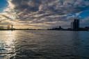 De stad Kampen en haar bebouwing liggen op een kwetsbare plaats als het waterpeil in het IJsselmeer gaat stijgen.
