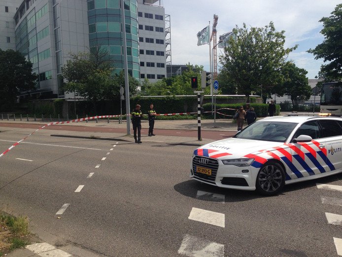Verdacht pakket Graadt van Roggenweg blijkt lege koffer.