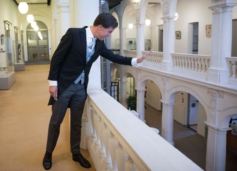 Mark Rutte keert van de Ridderzaal terug op Algemene Zaken. Beeld Werry Crone