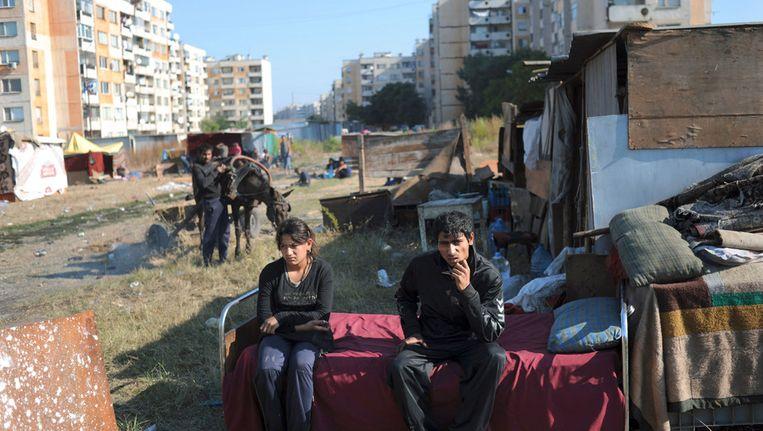 Roma in de Bulgaarse plaats Jambol in 2010. Onderzoekster Annemiek Dul omschrijft de cultuur van de Roma als collectivistisch en gesloten. Beeld afp