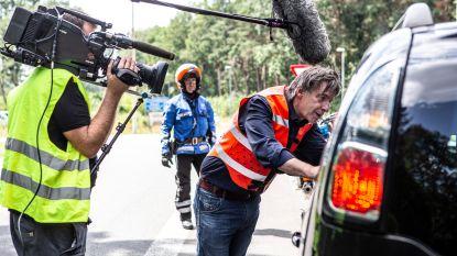 """Man rijdt 170km per uur in 'Alloo bij de Wegpolitie': """"Mijn vrouw zit te wachten"""""""