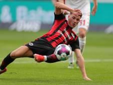Hrustic (ex-Groningen) helpt Frankfurt met 'breakdance-doelpunt' nog aan punt tegen Mainz