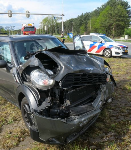 Lange file en flinke schade na ongeval in Oss
