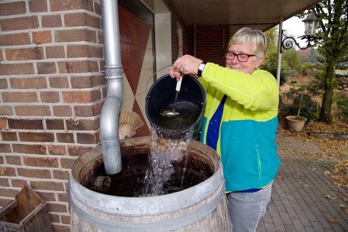 Om het gebruik van regentonnen te stimuleren en het overstromen van riolen te verminderen, stelt de gemeente Losser 100 vouchers van elk 50 euro beschikbaar voor in totaal 100 inwoners van de Dinkelgemeente.