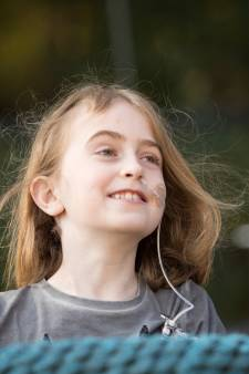 Moeder en zus in actie voor overleden Luna (9) tijdens Tilburg Ten Miles: 'Willen uitdragen hoe trots we zijn'