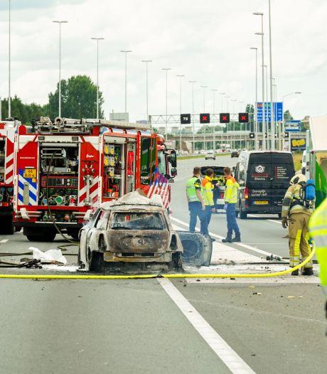 Bart (59) redde op snelweg vrouw uit brandende auto: 'Ze probeerde haar vriend nog te bellen'