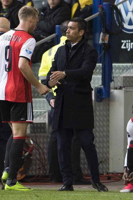 Van Bronckhorst: Blije coach