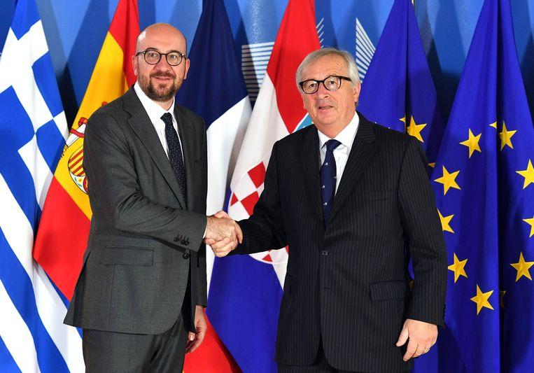 Premier Charles Michel samen met Jean-Claude Juncker, de voorzitter van de Europese Commissie.
