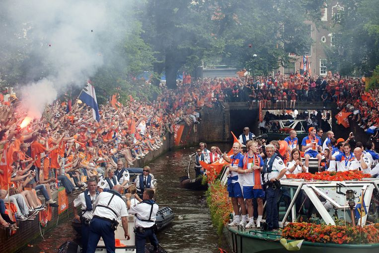 De huldiging van Oranje in Amsterdam (ANP) Beeld