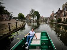 Schiedam ontdekken? Dat kan nu ook op een waterfiets, maar trap niet te hard!