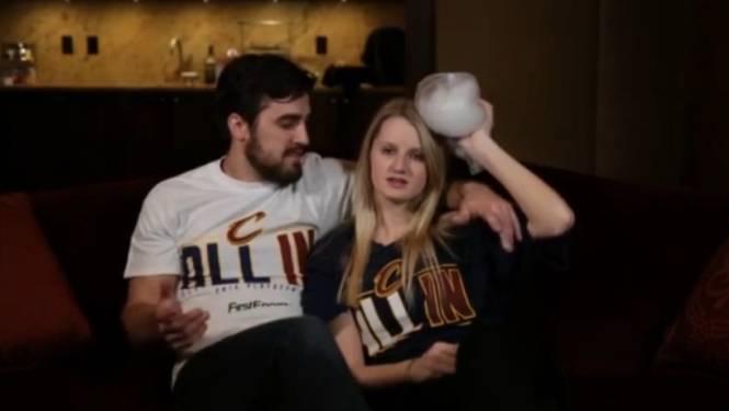 Basketploeg wil fans warm maken met dit filmpje, maar promoot per ongeluk partnergeweld