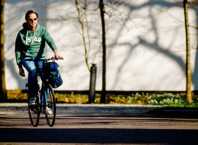 Mark Rutte arriveert bij het Catshuis.