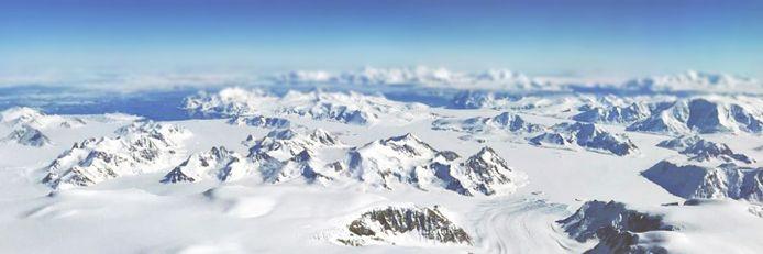 Gletsjers ten oosten van Adelaide Island op het Antarctisch Schiereiland.