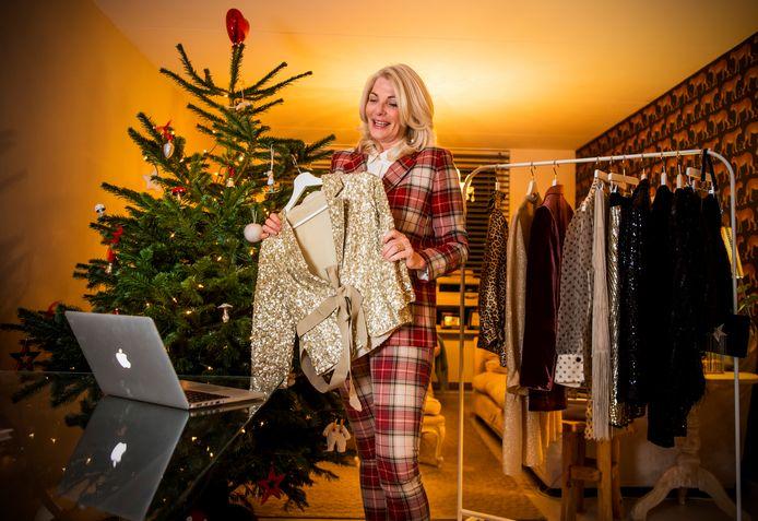 Stylist Merel van 't Wout gaat online kledingadvies geven voor Kerstmis.