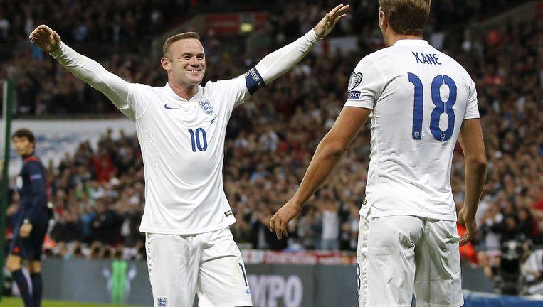 Wayne Rooney en Harry Kane van Engeland Beeld afp