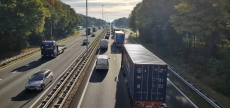 Ongeluk tussen Rosmalen en Zaltbommel, linkerrijstrook dicht
