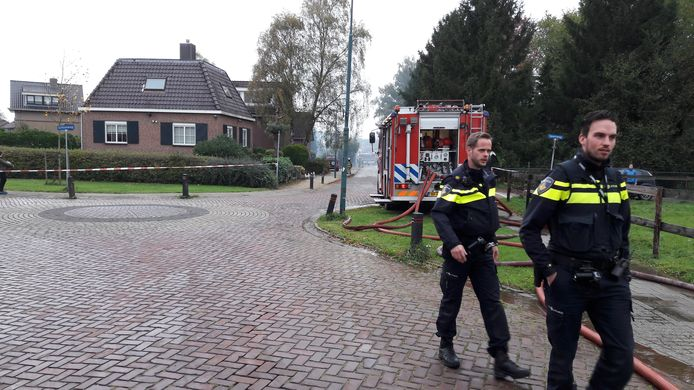 De situatie in Elst kort na de brand in het cafetaria.