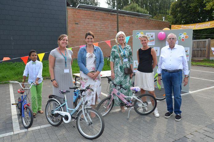 De gemeente Haaltert stelde de fietsbib voor tijdens Autovrije Zondag.