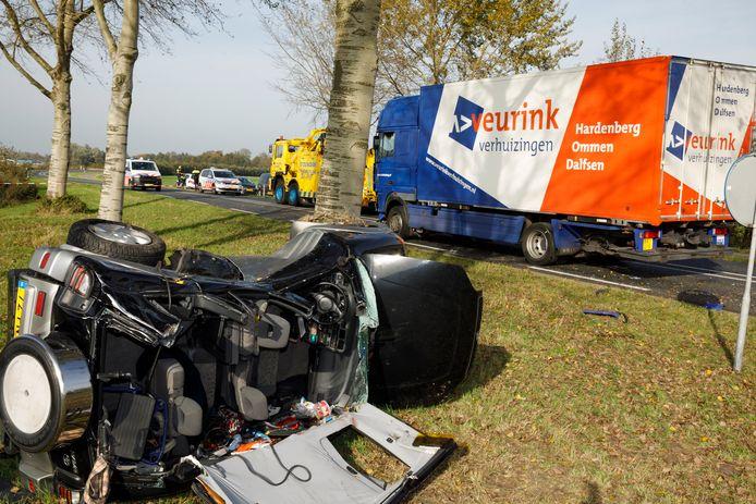 Bij het dodelijk ongeluk op de Flevoweg in Elburg donderdagmiddag kwamen een man en een vrouw uit Amstelveen om het leven.