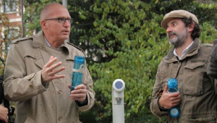Stadsdeelwethouder Joep Blaas (Stadsdeel Zuid) en oprichter Stichting Jointhepipe, Lorenzo de Rita (rechts) Beeld