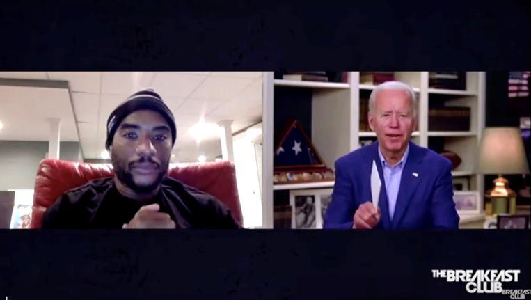 Joe Biden in gesprek met presentator Charlamagne Tha God Beeld via REUTERS