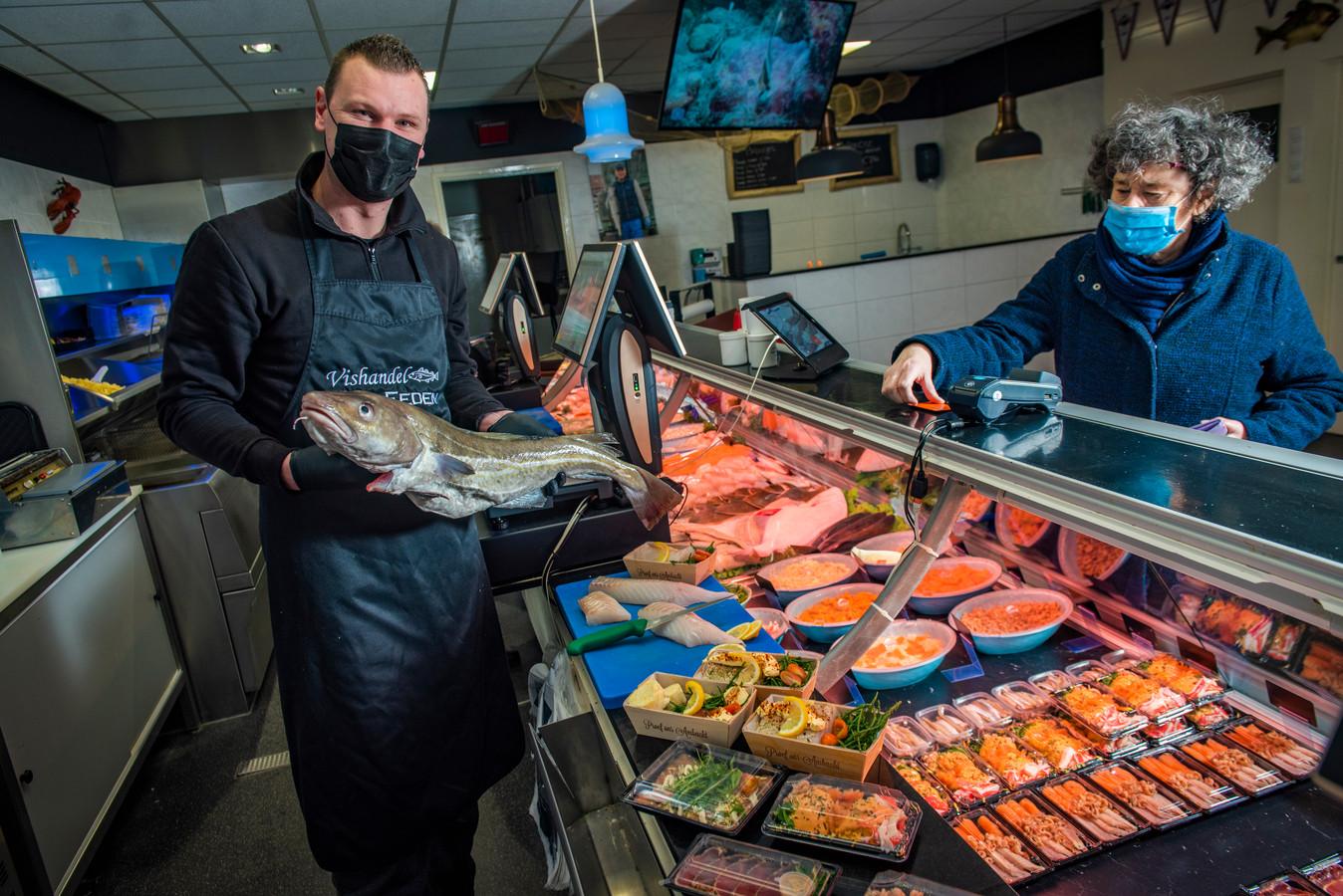 Kevin van Eeden begon in coronatijd  zijn vishandel.