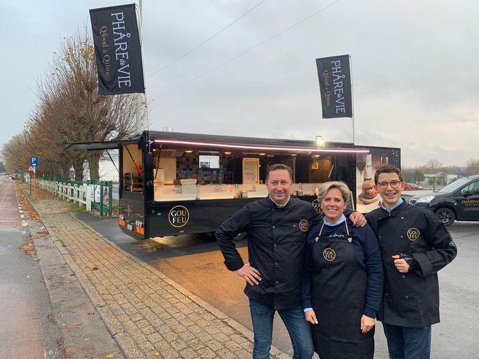 Phare de Vie prijkt met een foodtruck op de Veemarkt in Sint-Michiels.