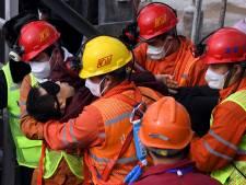 Elf Chinese mijnwerkers na twee weken gered uit 600 meter diepe schacht
