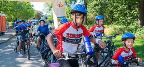 Ome Joop's Tour trekt met 156 kinderen over de Veluwe